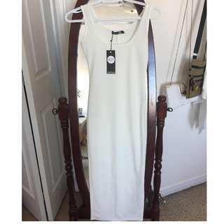 *BRAND NEW* Boohoo Bright White Dress in Size US 2