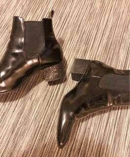 Patent Leather Sparkle Heal Black Boots
