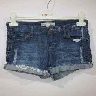 (29) Forever 21 ladies denim shorts, low-rise, stretch soft denim fabric