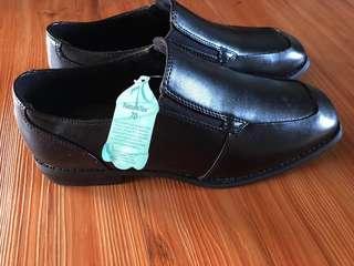 Brand new Black Shoes for Men