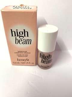 Benefit High Beam 粉紅光影液