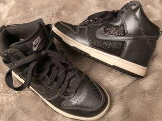 Vintage Nike Metallic High Dunk Shoes