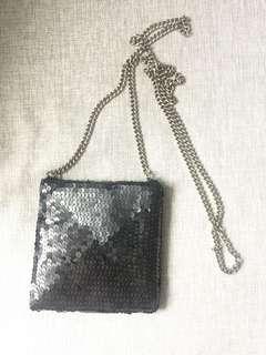 Small cross over bag
