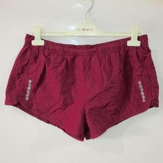 (M) Crivit Sports ladies sports shorts, in almost looks new conditions, with back pocket zipper, with waist key pocket, with mesh underlining, super nice in actual