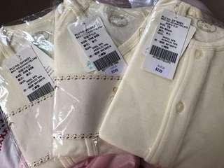 全新100% amor嬰兒和尚袍 保暖羊毛內衣 原價$199 8折