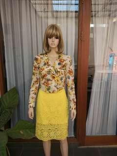 Floral top yellow