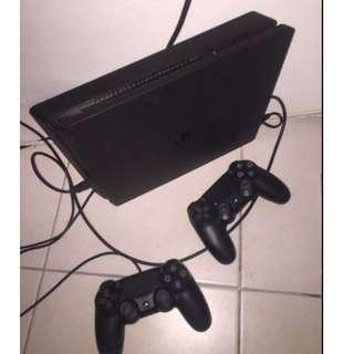 PS4- Playstation 4 Slim 500GB 2 Controllers 2 Free Games