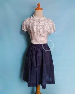 Blouse Putih & Skirt Tartan