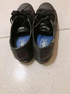 Keds 23.5 黑微增高鞋(皮)