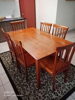[reduced price] Dining Table Set 6+1