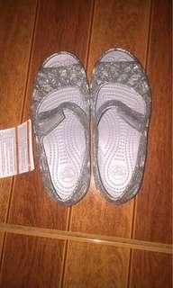 Brandnew crocs