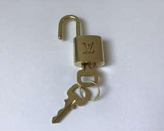 Genuine Louis Vuitton Gold Tone Brass Padlock With Two Key #313