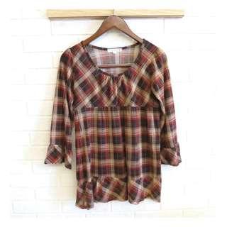 🚚 日本品牌 KLEIN PLUS + 柔美格紋七分袖上衣 38