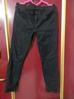 🚚 UNIQLO黑色褲子