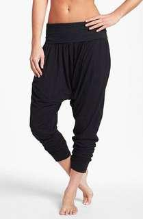 (L-XL) H&M ladies harem pants, nice relaxed, soft and comfy fabric, in almost looks new conditions