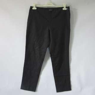 (33) Jones New York ladies twill pants, side zipper, nice fitting and fabric, in almost looks new conditions, super nice in actual.