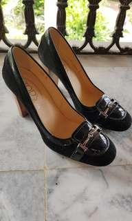 TOD'S Ladies Leather Black Heels Pumps