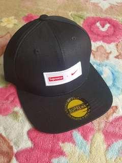 ' SUPREME X NIKE ' snapback cap black