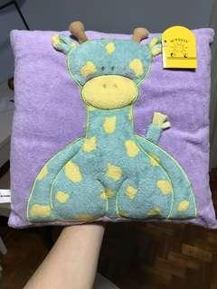 BNWT Cute giraffe cushion