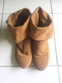 Boots Brown Suede