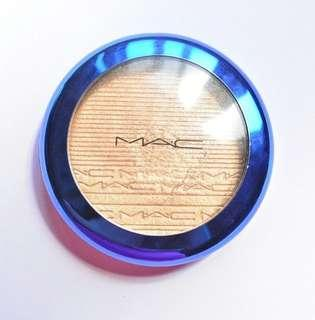 LIMITED EDITION! MAC Oh Darling Extra Dimension Skinfinish