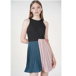 MDS Collection pleated block dress in black BNWT size: S