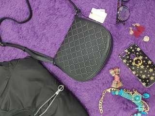 connexion sling bag