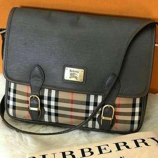 Autthentic Burberry Messenger Bag  SALE ‼️ P10500 only ♥️