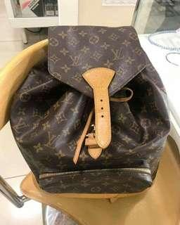 Louis Vuitton GM size backpack   35k only ‼️‼️