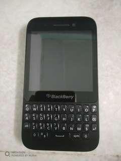 Blackberry q5 (used)