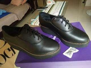 🚚 Miss sofi 黑色學生鞋35碼