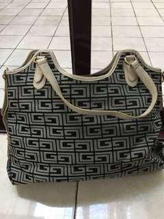 Authentic Guy Laroche Woman Handbag