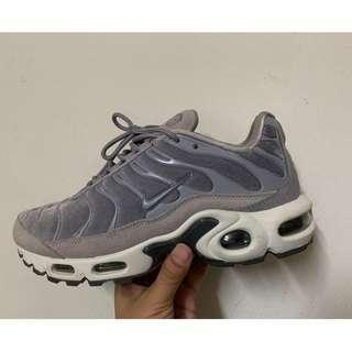 Nike Air max plus LX 紫色 US6.5 二手