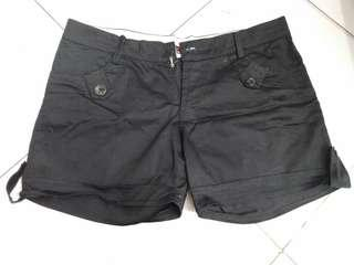 Shortpants celana pendek
