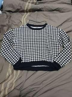 Woman Houndstooth sweater