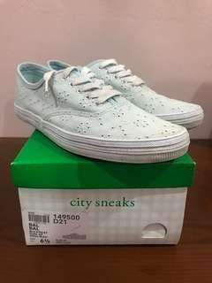 Light blue lace sneakers size 6 payless