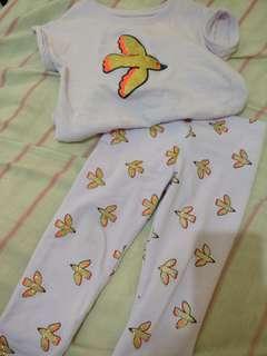 Bundle leggings and blouse