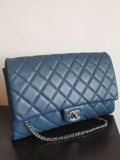 ✔Authentic CHANEL Quilted Clutch with Chain Flap Blue