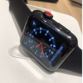 Apple Watch Series 4, Men's Fashion, Watches on Carousell