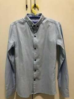 Men Long Sleeves Work / Smart Casual Shirt in Skyblue. XS