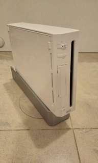 日版 Wii 連兩套手掣、 動感接收器 、火牛、 主機座
