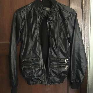 Leather jacket jaket kulit wanita hitam
