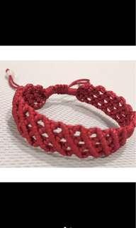 🚚 棗紅色玉珠棉線編織手鍊