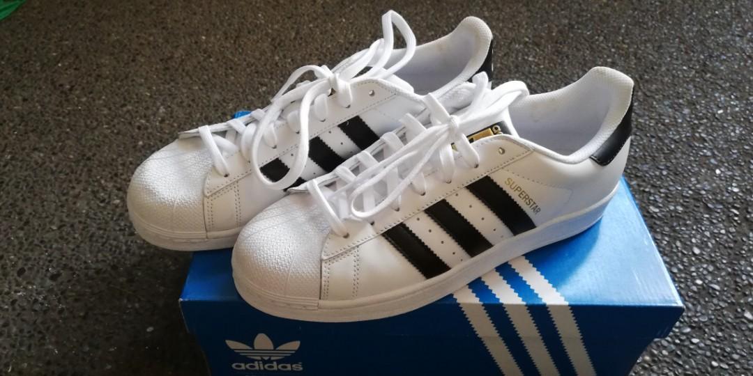 aa4318bb Adidas Superstar, Men's Fashion, Footwear, Sneakers on Carousell
