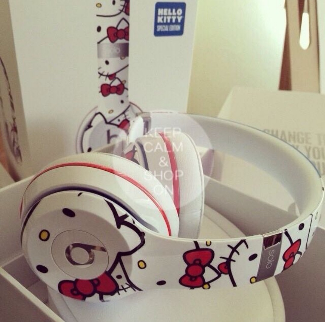a391878b3a4 Hello Kitty limited edition!!! Beats solo 2 wired headphones by Dr. Dre,  Electronics, Others on Carousell
