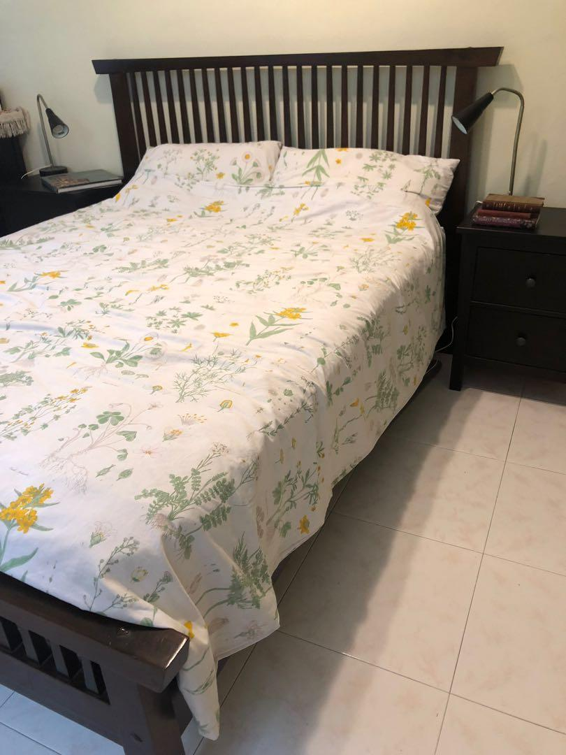 Teak bed UK King Size - including Sealy Mattress for FREE
