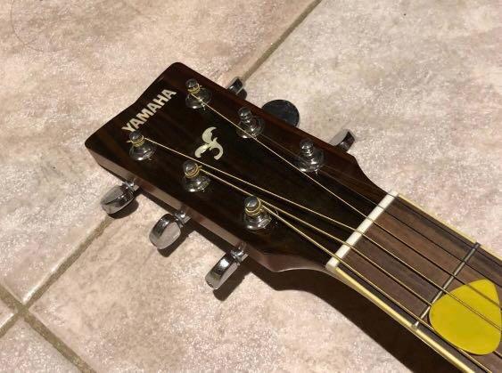 Yamaha FG720S Solid Top Dreadnought Acoustic Guitar - Natural