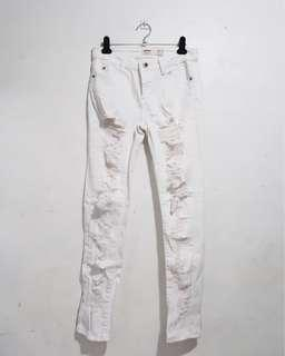 REPRICED Cotton On ripped jeans (white)
