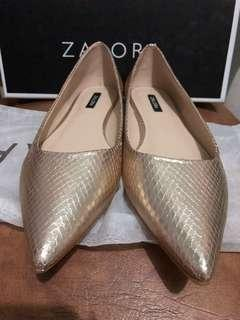 ZALORA Flatshoes gold New