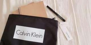 🚚 Calvin Klein 拉鍊袋(A4大小)